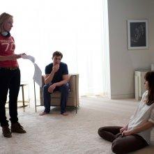 Cinquanta sfumature di grigio: la regista Sam Taylor-Wood sul set con Jamie Dornan e Dakota Johnson