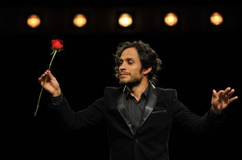 Mozart in the Jungle, una scena con Gael Garcia Bernal