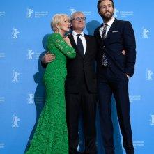 Woman in Gold: Helen Mirren e Ryan Reynolds col regista Simon Curtis