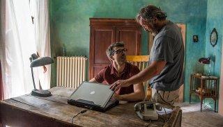 Noi e la Giulia: Claudio Amendola e Luca Argentero in una scena del film