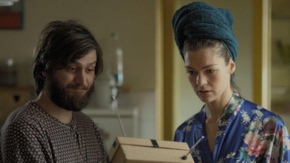 The Repairman: Daniele Savoca con Hannah Croft in una scena del film
