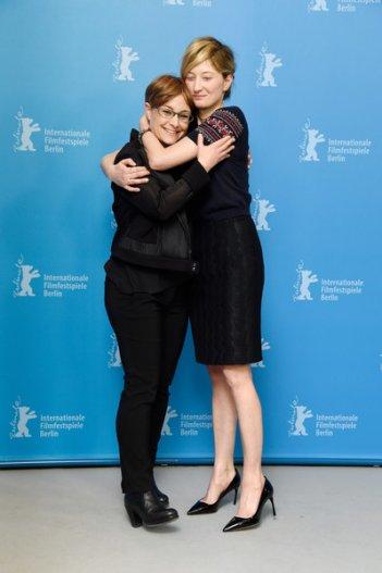 Vergine giurata: la regista Laura Bispuri abbraccia Alba Rohrwacher