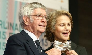 Berlino 2015: Charlotte Rampling e Tom Courtenay stringono i loro orsi d'argento