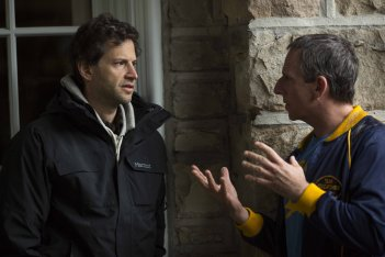 Foxcatcher - foto esclusiva Bennett Miller e Steve Carell sul set del film