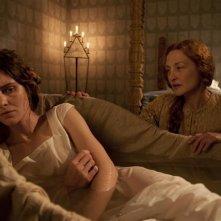 Maraviglioso Boccaccio: Vittoria Puccini giace nel letto