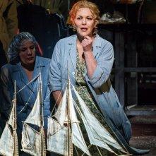 Royal Opera House - L'Olandese Volante: Adrianne Pieczonka in una scena dello spettacolo