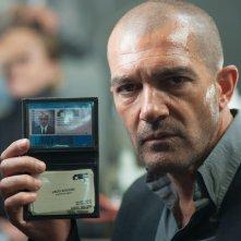 Automata: Antonio Banderas nei panni dell'agente assicurativo Jacq Vaucan