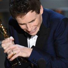 Eddie Redmayne vince l'Oscar per l'interpretazione ne La teoria del tutto
