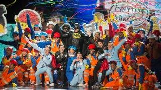 Oscar 2015: Will Arnett e il team di The Lego Movie dopo aver eseguito il brano Everything is Awsome