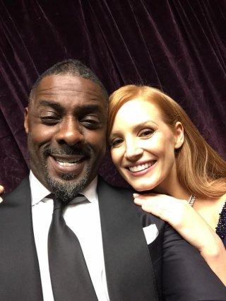 Oscar 2015: selfie per Idris Elba e Jessica Chastain