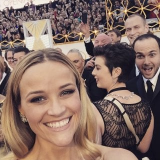 Oscar 2015: il selfie di Reese Witherspoon sul red carpet