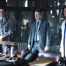 Gotham: Cory Michael Smith, Ben McKenzie e Morena Baccarin in The Blind Fortune Teller
