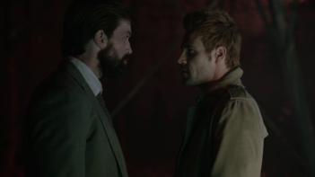 Constantine: Matt Ryan e Emmett J. Scanlan in una scena dell'episodio Waiting for the Man