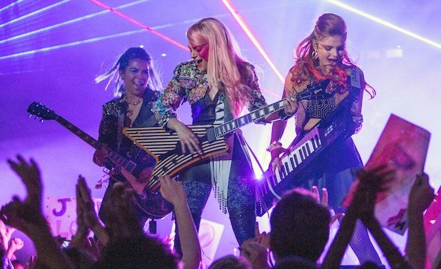 Jem and the Holograms: la prima immagine delle protagoniste sul palco