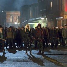Arrow: Bex Taylor-Klaus, Katie Cassidy, Colton Haynes e David Ramsey in Uprising