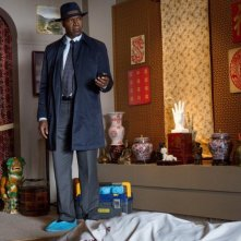 Backstrom: l'attore Dennis Haysbert in una scena di Ancient, Chinese, Secret