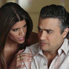 Jane the Virgin: Andrea Navedo e Jaime Camil in Chapter Thirteen