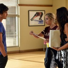 Pretty Little Liars: Tyler Blackburn, Ashley Benson e Shay Mitchell in Pretty Isn't the Point