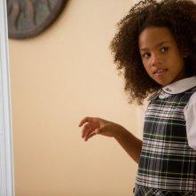 Black or White: Jillian Estell è Eloise in una scena del film