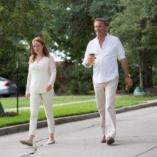 Black or White: Kevin Costner con Jennifer Ehle in una scena