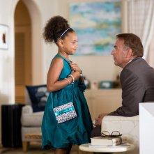 Black or White: Kevin Costner con la piccola Jillian Estell in un'immagine del film