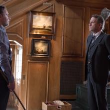 Gotham: David O'Hara e Sean Pertwee nella puntata Red Hood