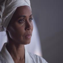 Gotham: Jada Pinkett Smith in una scena dell'episodio intitolato Red Hood