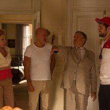 Ma che bella sorpresa: Claudio Bisio con Frank Matano, Renato Pozzetto e Ornella Vanoni in una scena del film