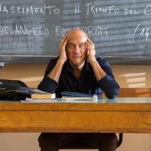 Ma che bella sorpresa: Claudio Bisio riflette sull'esistenza in una scena del film