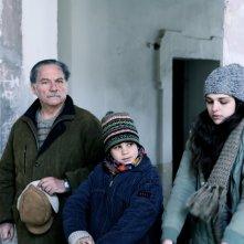 Cloro: Sara Serraiocco con Anatol Sassi e Giorgio Colangeli in una scena del film