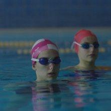 Cloro: Sara Serraiocco in piscina in una scena del film