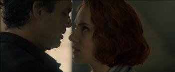 Avengers: Age of Ultron - Scarlett Johansson e Mark Ruffalo in una scena dal trailer
