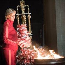 Glee: l'attrice Jane Lynch in una scena dell'episodio The Rise and Fall of Sue Sylvester