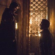 Arrow: Matt Nable e John Barrowman in Nanda Parbat