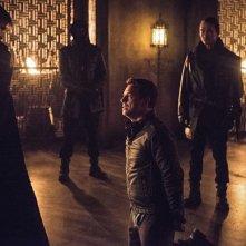 Arrow: Matt Nable, John Barrowman e Karl Yune in Nanda Parbat