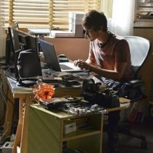 Pretty Little Liars: l'attore Tyler Blackburn nell'episodio Over a Barrel