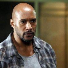 Agents of S.H.I.E.L.D.: Henry Simmons in una scena dell'episodio intitolato Aftershocks
