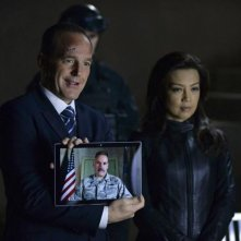 Agents of S.H.I.E.L.D.: Clark Gregg e Ming-Na Wen in una scena dell'episodio Aftershocks