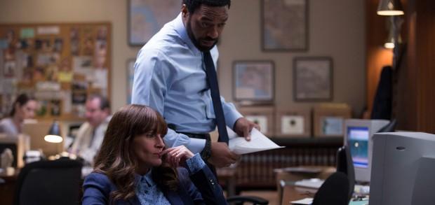 Secret in Their Eyes: Julia Roberts e Chiwetel Ejiofor nella prima immagine del film