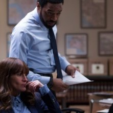 Secret in Their Eyes: Julia Roberts e Chiwetel Ejiofor nella prima immagine del film