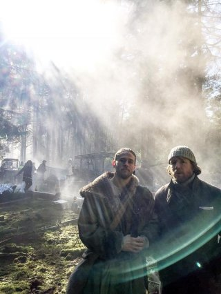 Knights of the Roundtable: King Arthur - Guy Ritchie e Charlie Hunnam sul set