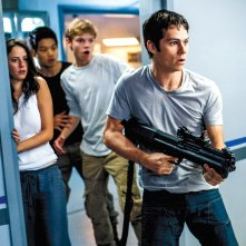 The Maze Runner 2 - La via di fuga: Dylan O'Brien e gli altri protagonisti del film in un'immagine ufficiale