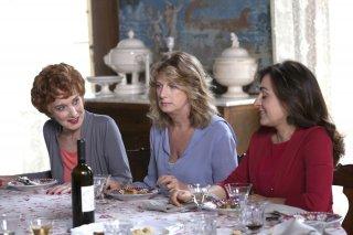 Latin Lover: Virna Lisi, Angela Finocchiaro e Candela Peña in una scena del film