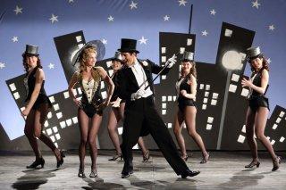 Latin Lover: Francesco Sciannadurante uno spettacolo di cabaret in una scena del film