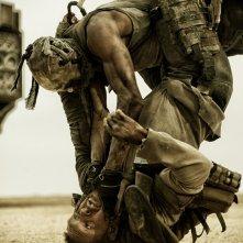 Mad Max: Fury Road - Un'immagine tratta dal film diretto da George Miller