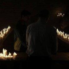 La terra dei santi: un'immagine notturna del film