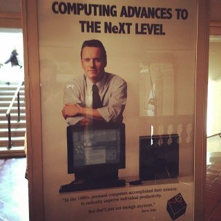 Fassbender in un poster di scena usato per Steve Jobs