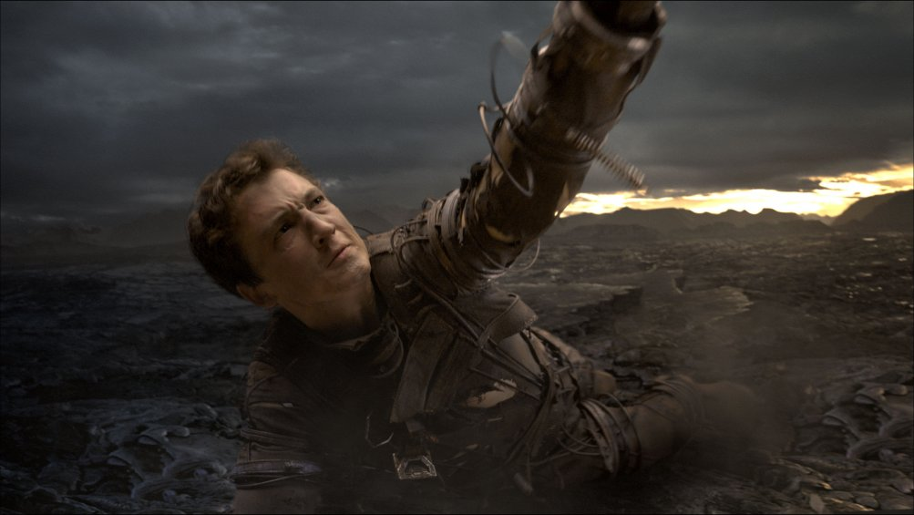 Fantastic 4 - I Fantastici Quattro: Miles Teller in una scena drammatica
