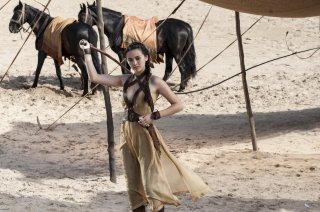 Il trono di spade: Jessica Henwick interpreta Nym Sand in una scena del primo episodio
