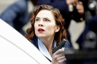 Agent Carter: Hayley Atwell interpreta Peggy Carter in Valediction